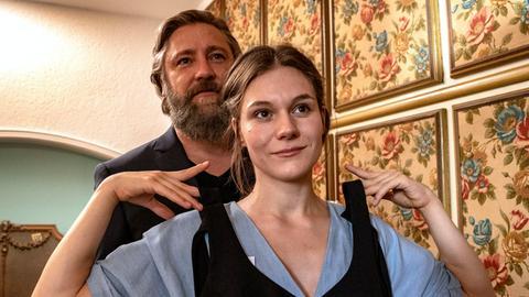 Friedrich Benning (Nicki von Tempelhoff) und Nicole Lehnert (Lilith Häßle).