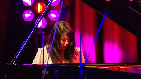 """Die Musikerin Clair Huangci bei der Sendung """"Bühne frei"""""""