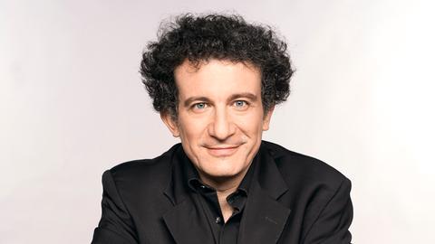 Porträt Chefdirigent hr-Sinfonieorchester Alain Altinoglu