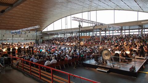 hr-Sinfonieorchester in der Darmstädter Böllenfalltorhalle 2014