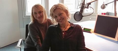 Die Schauspielerin Anna Maria Mühe und hr1-Moderatorin Marion Kuchenny