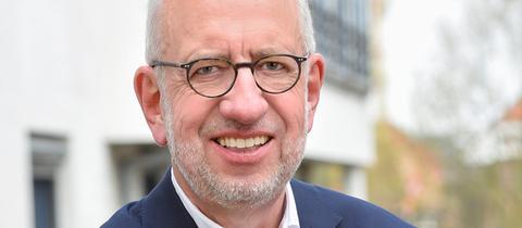 Der scheidende FFH-Chef Hans-Dieter Hillmoth live in hr1