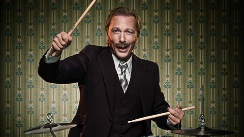 Pawel Popolski am Schlagzeug