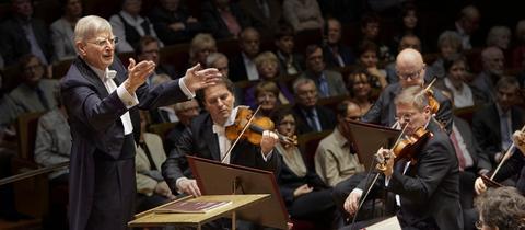 Herbert Blomstedt und das Gewandhausorchester Leipzig.