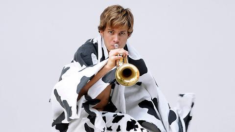 Der Jazztrompeter und Multiinstrumentalist Matthias Schriefl