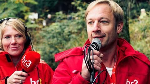 Die hr3-Morningshow-Moderatoren Tobi Kämmerer und Tanja Rösner