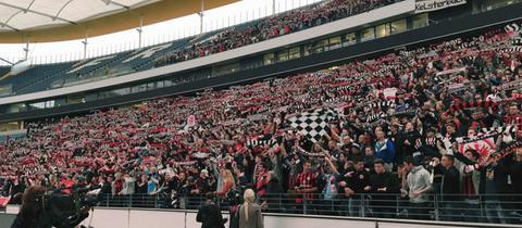 Eintracht-Fans in der Commerzbank-Arena