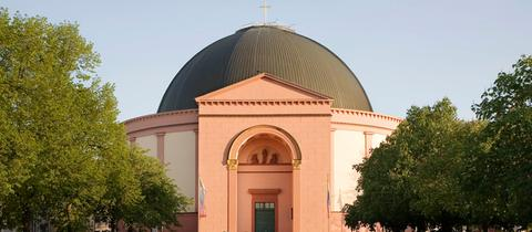 Die Katholische Pfarrkirche Sankt Ludwig in Darmstadt