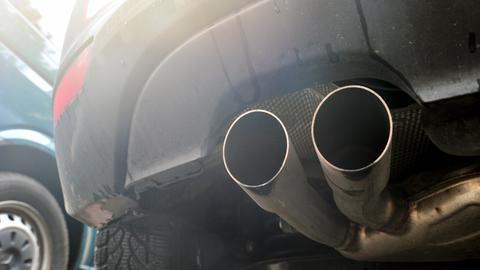 Wer zahlt die Hardwarenachrüstungen für Diesel-Fahrzeuge?