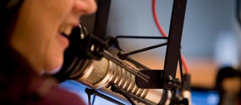 Moderation im Radiostudio