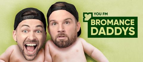 """Nick und Leon sind die Hosts des Podcasts """"Bromance Daddys""""."""