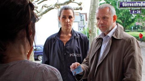 Die Kriminalhauptkommissare Frank Steier (Joachim Król) und Conny Mey (Nina Kunzendorf).