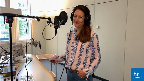 Claudia Meichelbeck ist die weibliche Station Voice von hr-iNFO.
