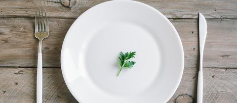Auf Nahrung verzichten - und das soll gesund sein?