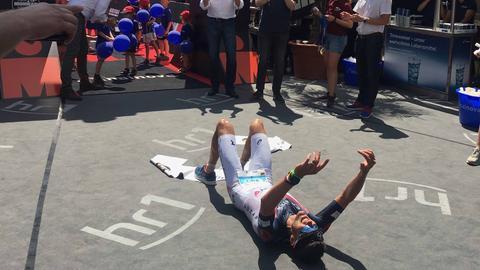 Ironman Sieger Jan Frodeno im Ziel.