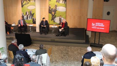 hr-Musikchef Michael Traub, Chefdirigent Andrés Orozco-Estrada und hr-Hörfunkdirektor Dr. Heinz Sommer bei der Vorstellung des hr-Sinfonieorchester-Programms für die Spielzeit 2018/2019