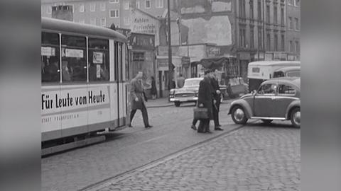 Archivschatz Fahrbahnüberquerung: Videostartbild