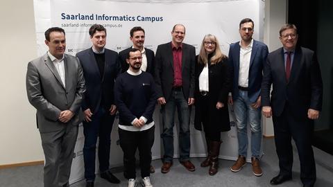 Henning Steiner zuammen mit den anderen Preisträgern und Staatssekretär Jürgen Lennartz