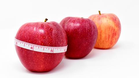 Apfel um Maßband