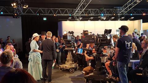 Andreas Hieke moderiert die hessenschau live vom Hessentag