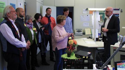 Ulli Janovsky und seine Gäste bei einer Sitzung