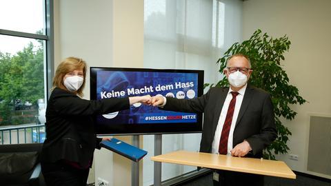 Die hessische Justizministerin Eva Kühne-Hörmann mit hr-Intendant Manfred Krupp