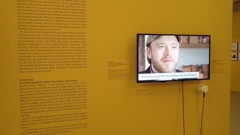 """""""Making Armstrong"""" im Karikaturmuseum Krems."""