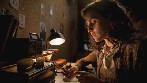 Mala Emde spielt Anne Frank