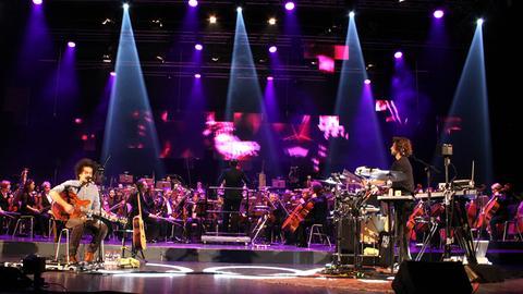 Milky Chance und das hr-Sinfonieorchester beim Music Discovery Project 2015