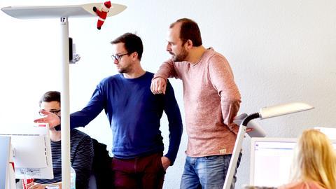 Mitarbeiter hessenschau.de und Programmbegleitung